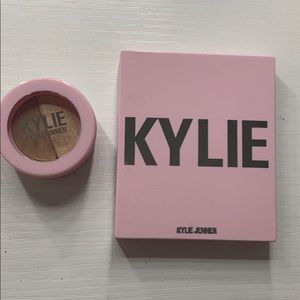 Kylie blush and eyeshadow duo. NEW 😉‼️ 👄🥳